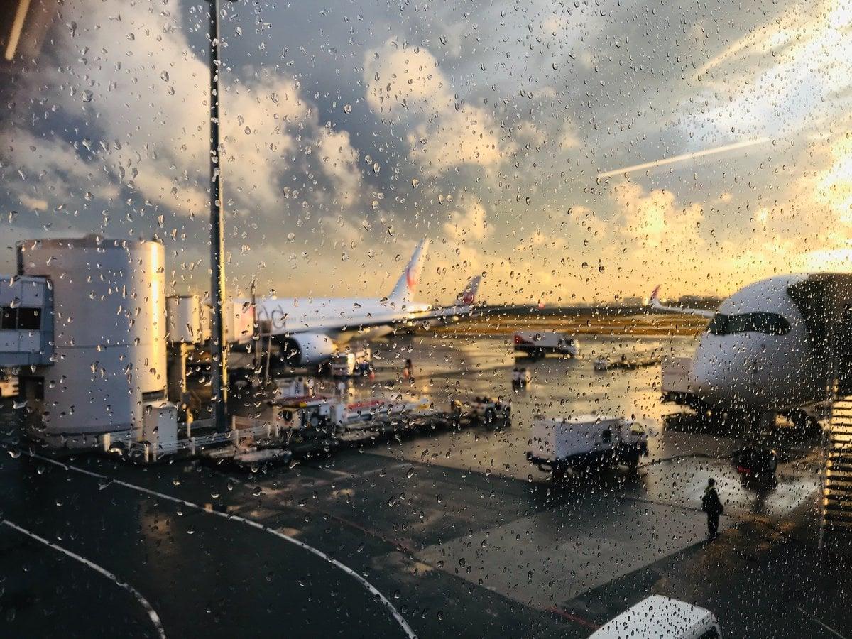 雨上がりの羽田空港